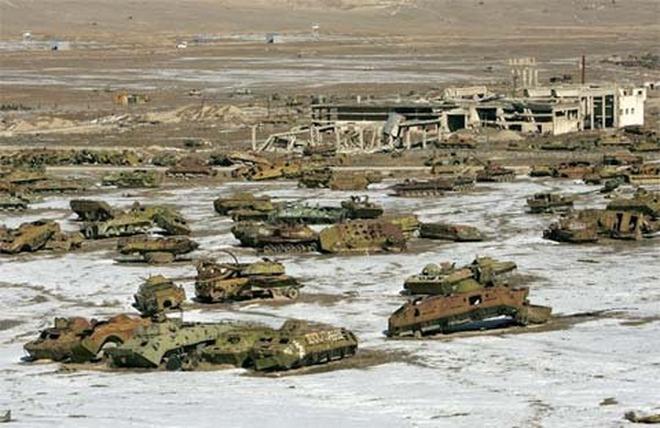 Thăm nghĩa địa xe tăng của Liên Xô ở Afghanistan