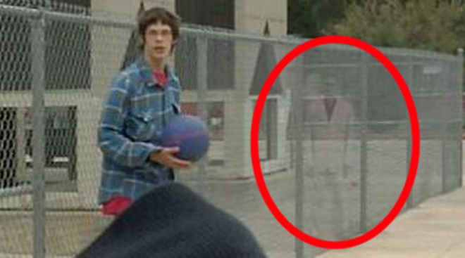 """""""Cặp đôi bóng ma"""" xuất hiện trong bức ảnh tại Mỹ"""