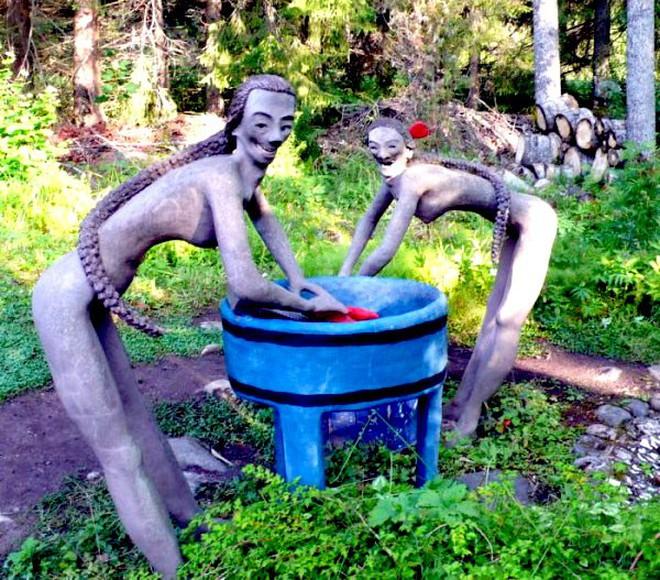 Thăm những khu vườn ma quái khiến bạn nổi da gà