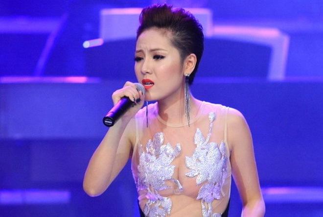 Phương Linh ăn mặc hớ hênh trên VTV, gia cảnh thật sự của Angela Phương Trinh