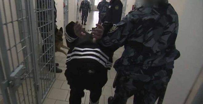 Bên trong nhà tù giam giữ tội phạm ăn thịt người nước Nga