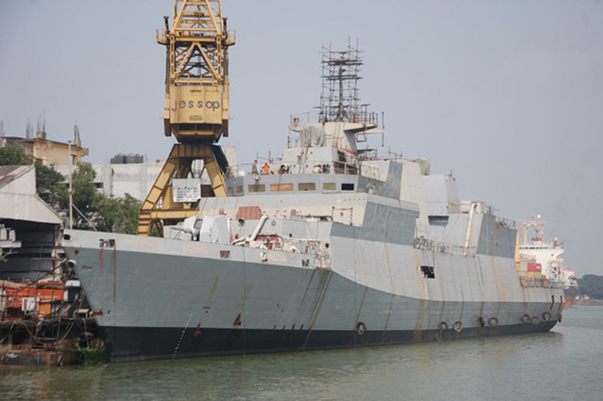 Ấn Độ hạ thủy siêu hạm tàng hình mà Việt Nam định mua