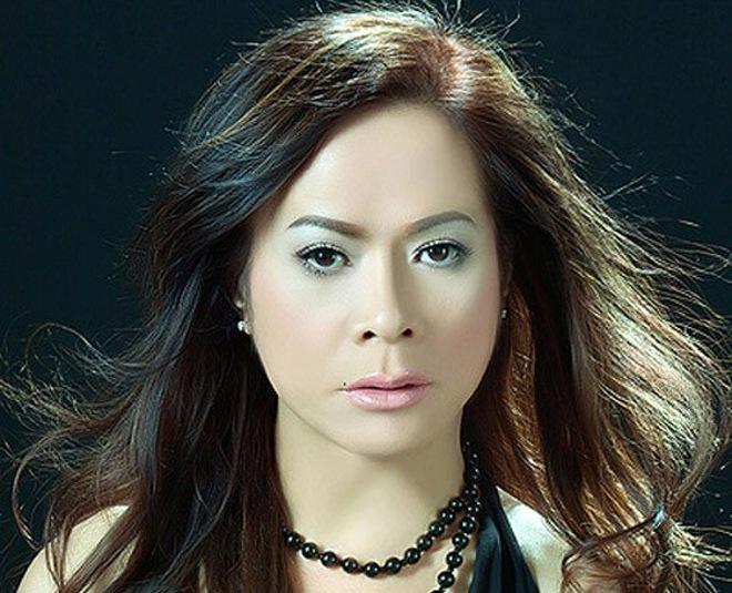 Ca sĩ chuyển giới đang ở đâu giữa showbiz Việt?