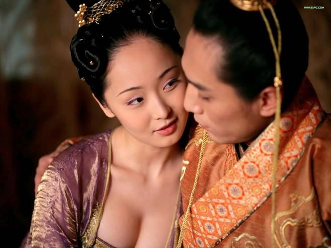 Nghi án tày đình trong lịch sử Trung Hoa: Hoàng đế 'thông dâm' với mẹ đẻ