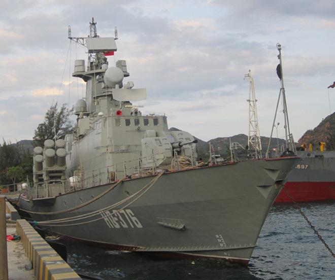 Hai tàu tên lửa cao tốc Molniya được hạ thủy tại Ba Son