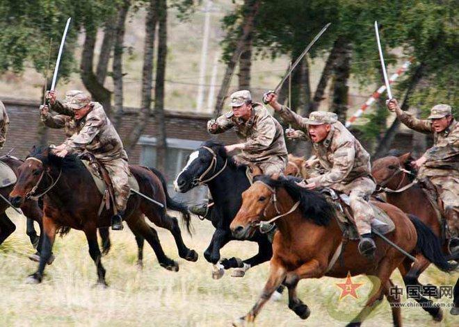 Hình ảnh đội quân kỵ mã duy nhất còn lại của Trung Quốc