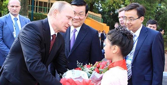 Những hình ảnh ấn tượng của Tổng thống Putin trong chuyến thăm VN