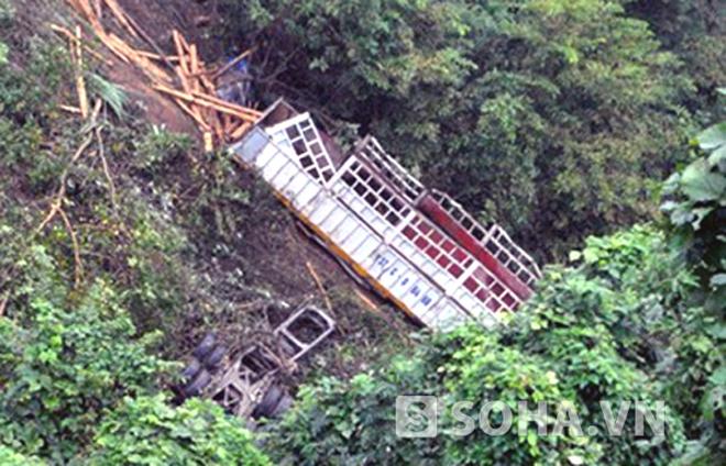 Cận cảnh vực sâu 300m - hiện trường vụ tai nạn khiến 3 người chết