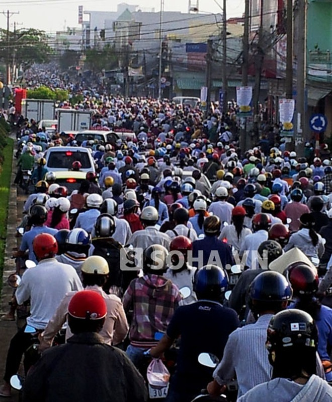 """Văn hóa giao thông: Đừng """"nhè"""" mãi vào ý thức người dân!"""