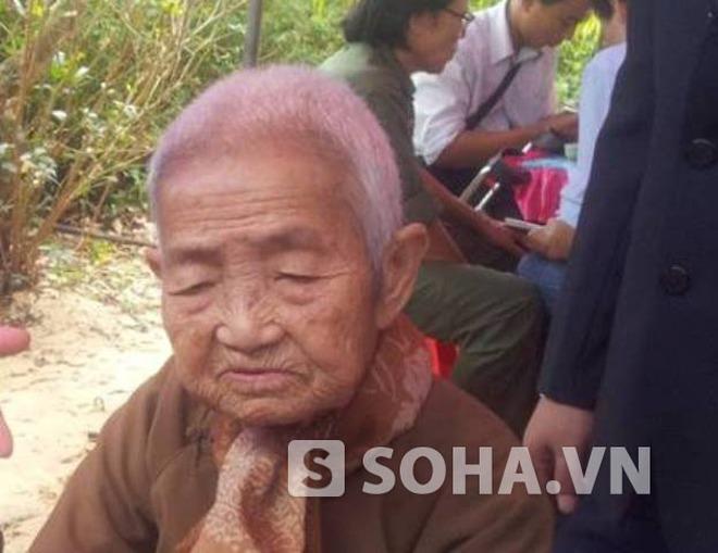 Hậu duệ Vua Minh Mạng rưng rưng viếng Đại tướng Võ Nguyên Giáp