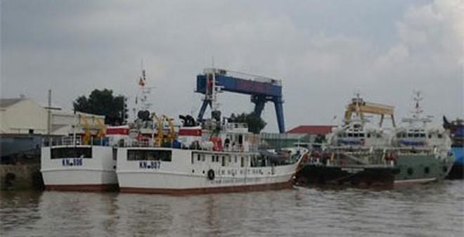 Bàn giao tàu kiểm ngư KN-806 và KN-807