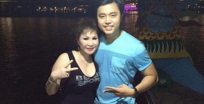 Vũ Hoàng Việt - Yvonne Thúy Hoàng đã tròn 2 năm yêu