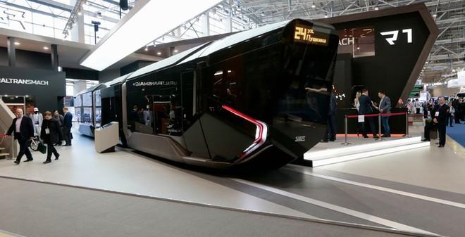 """Nga khoe xe điện mới """"hoành tráng như xe Batman"""""""