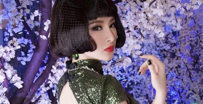 Phong cách thời trang mới của Angela Phương Trinh
