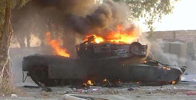 Siêu tăng Abrams bị đánh tơi bời ở Iraq
