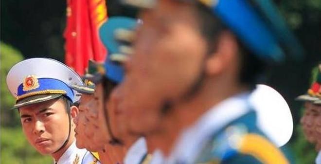 Chuyên gia Mỹ: Bán vũ khí cho Việt Nam là đúng