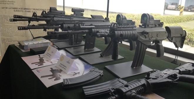 Đội tuyển bắn súng quân dụng VN được trang bị Galil ACE nội địa