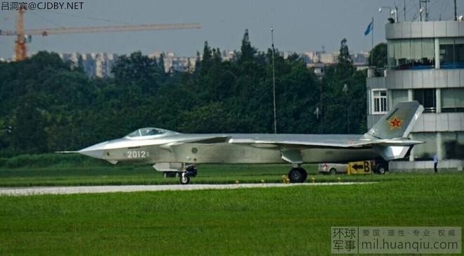 Nga chê J-20 kém hơn cả bà già Su-24, Trung Quốc đáp trả - ảnh 1