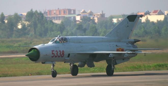 Tiêm kích nhẹ nào phù hợp nhất để thay thế MiG-21 Việt Nam?