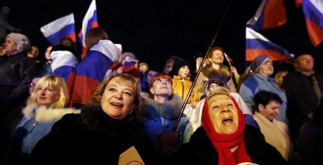 Tổng thống Putin ký công nhận Crimea là quốc gia độc lập