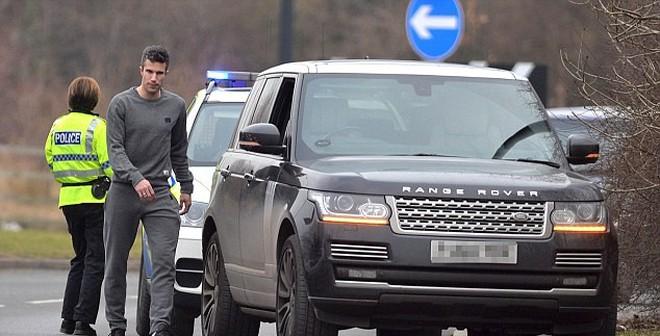 Kết quả hình ảnh cho cảnh sát chặn hỏi đường