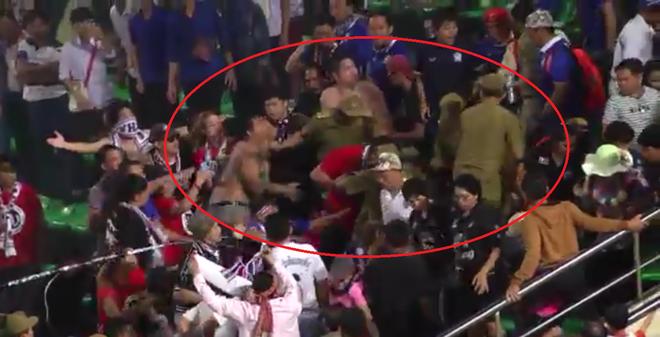 """Fan Thái Lan """"nổi sóng"""" vì vụ ẩu đả trên đất Lào"""
