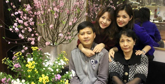 """Bố mẹ """"bình dân"""" và chị gái xinh đẹp của Chi Pu"""