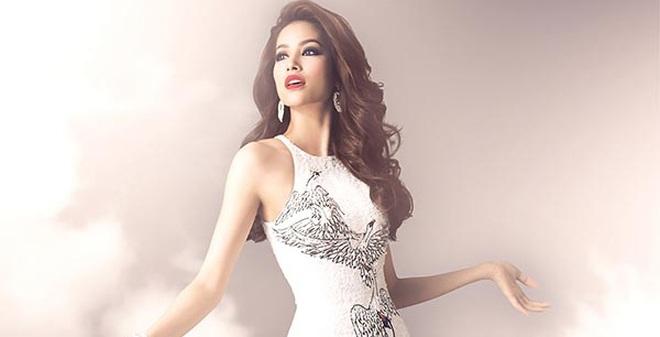 Trang phục cầu kì của Phạm Hương tại Hoa hậu Hoàn vũ