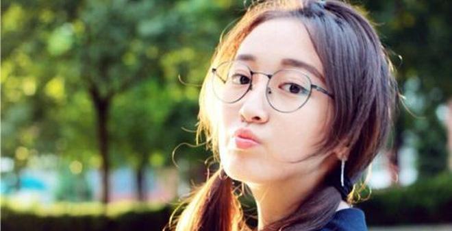 """Dung nhan """"cô thôn nữ"""" xinh đẹp nhất mạng xã hội"""