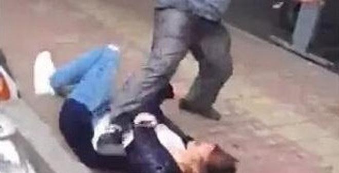 Ra đòn tấn công phụ nữ... như phim chưởng chỉ vì cú va chạm nhỏ