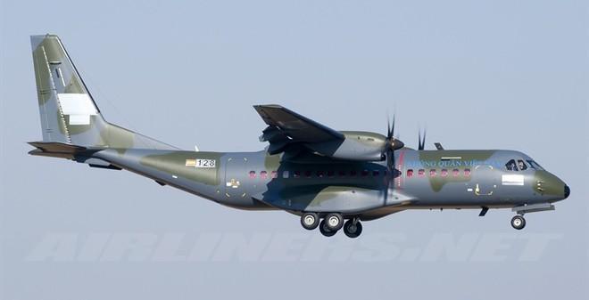 Lộ ảnh vận tải cơ C-295M thứ hai của VN bay thử