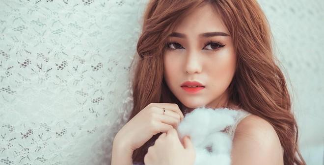 Những hình ảnh quá gợi cảm của cô gái Sài Thành 18 tuổi