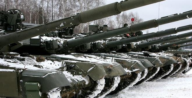 Xem xe tăng hiện đại nhất của Sư đoàn Tamanskaya huấn luyện