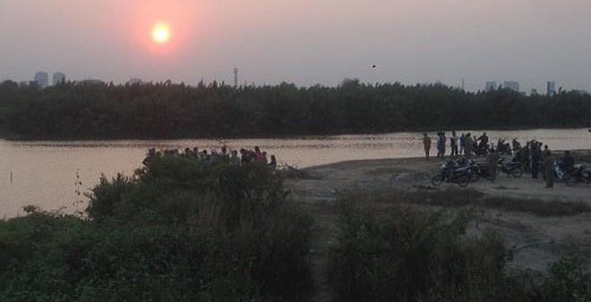 TP.HCM: Đi thả cá chép tiễn ông Táo, phát hiện xác chết trôi