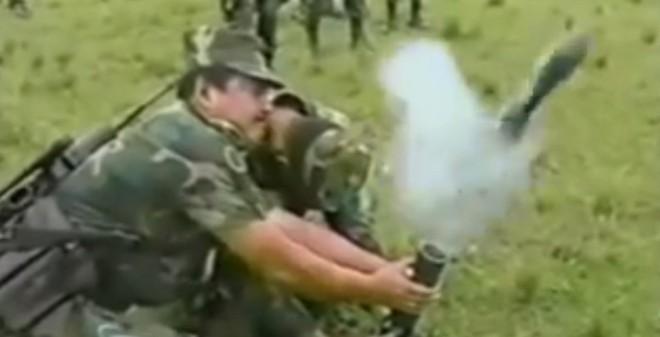 VIDEO: Những tai nạn dở khóc dở cười và rùng rợn khi bắn súng cối