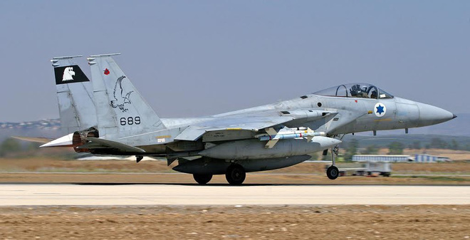 Tứ bề thọ địch, Israel biến F-15 thành đa năng để ứng phó!