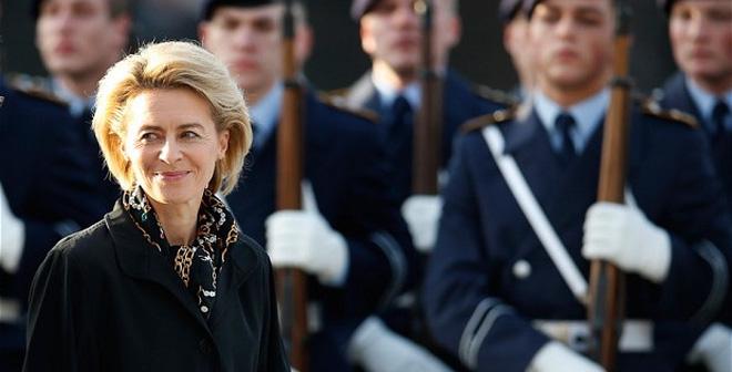 Chân dung bà mẹ 7 con - gương mặt sáng giá kế vị Thủ tướng Merkel