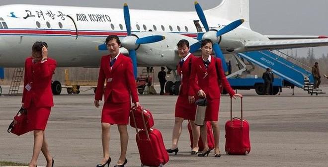 Ông Kim Jong-un lệnh cho tiếp viên hàng không mặc váy ngắn khoe chân