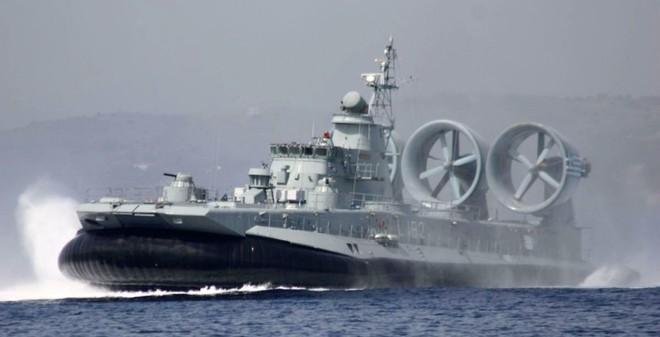 Nga thay Ukraine hoàn tất thương vụ tàu đổ bộ với Trung Quốc