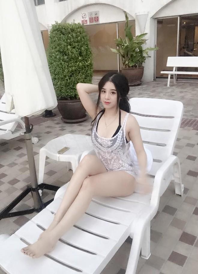 1471419373690 Lộ diện gương mặt của cô nàng có cơ thể gợi cảm và bí ẩn nhất bể bơi