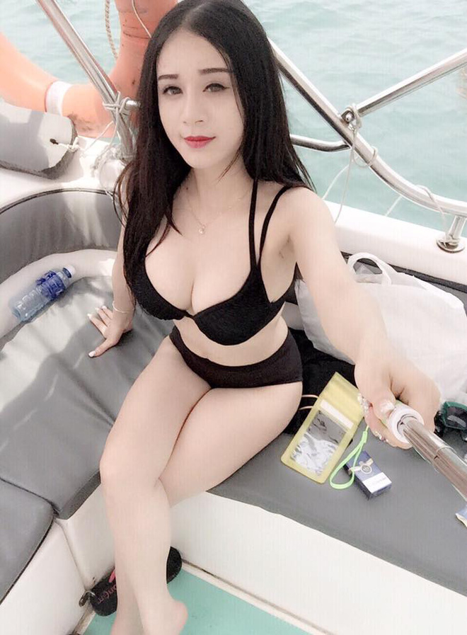 1471419373702 Lộ diện gương mặt của cô nàng có cơ thể gợi cảm và bí ẩn nhất bể bơi