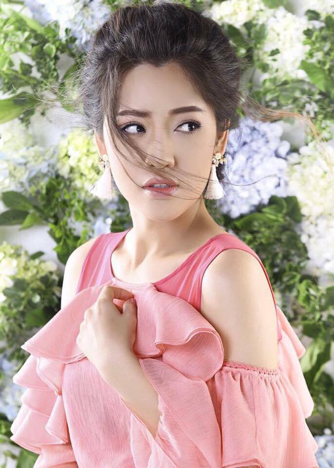 Chuyện hiếm showbiz: Nữ diễn viên hài đẹp lộng lẫy như hot girl - Ảnh 1.