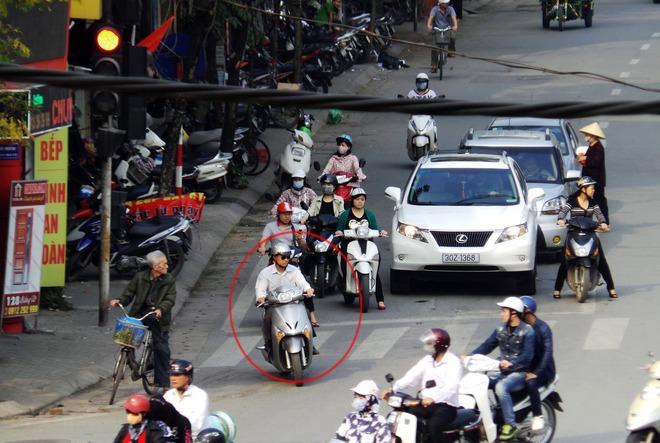 Chuyện chàng Tây: Người Việt bảo tôi cứ… vượt đèn đỏ - Ảnh 2.