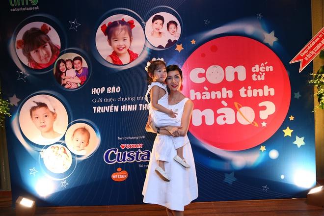Siêu mẫu Xuân Lan lần đầu tiên kể chuyện làm mẹ đơn thân  - Ảnh 2.