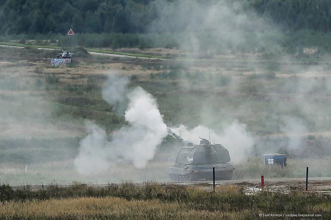 ẢNH+VIDEO: Khí tài quân sự Nga trình diễn tại Army-2016 - Ảnh 12.