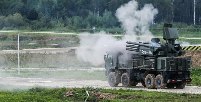 """Army-2016: Quốc phòng Nga """"1 mũi tên trúng... 3 đích"""""""