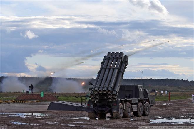 ẢNH+VIDEO: Khí tài quân sự Nga trình diễn tại Army-2016 - Ảnh 2.