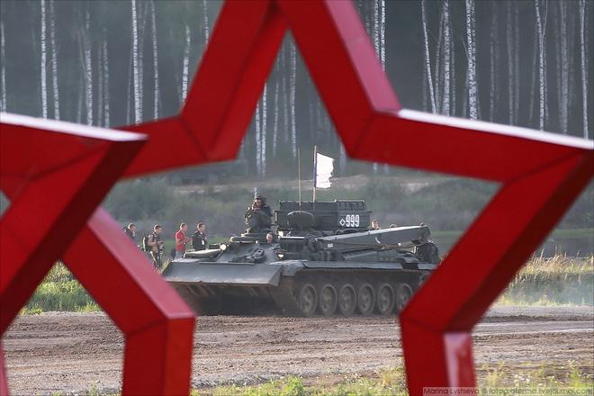 ẢNH+VIDEO: Khí tài quân sự Nga trình diễn tại Army-2016 - Ảnh 24.