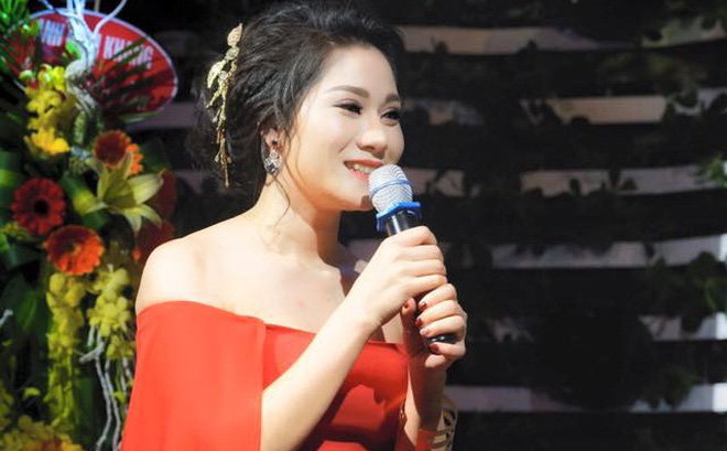 Thu Trang mặc gợi cảm trong ngày ra mắt album đầu tay