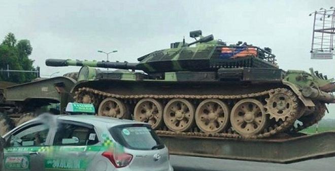 """Sáng chế độc đáo: Xe tăng không chạy vẫn có """"Hành tiến bắn"""""""